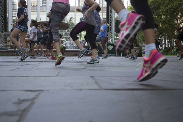 The Rise, an early morning fitness group, work out at Bryant Park in New York, June 15, 2016. Researchers believe that exercise improves our brains in part by goosing the bodyÕs production of a substance called brain-derived neurotrophic factor, or BDNF, which is a protein that scientists sometimes refer to as ÒMiracle-GroÓ for the brain. (Alex Wroblewski/The New York Times)
