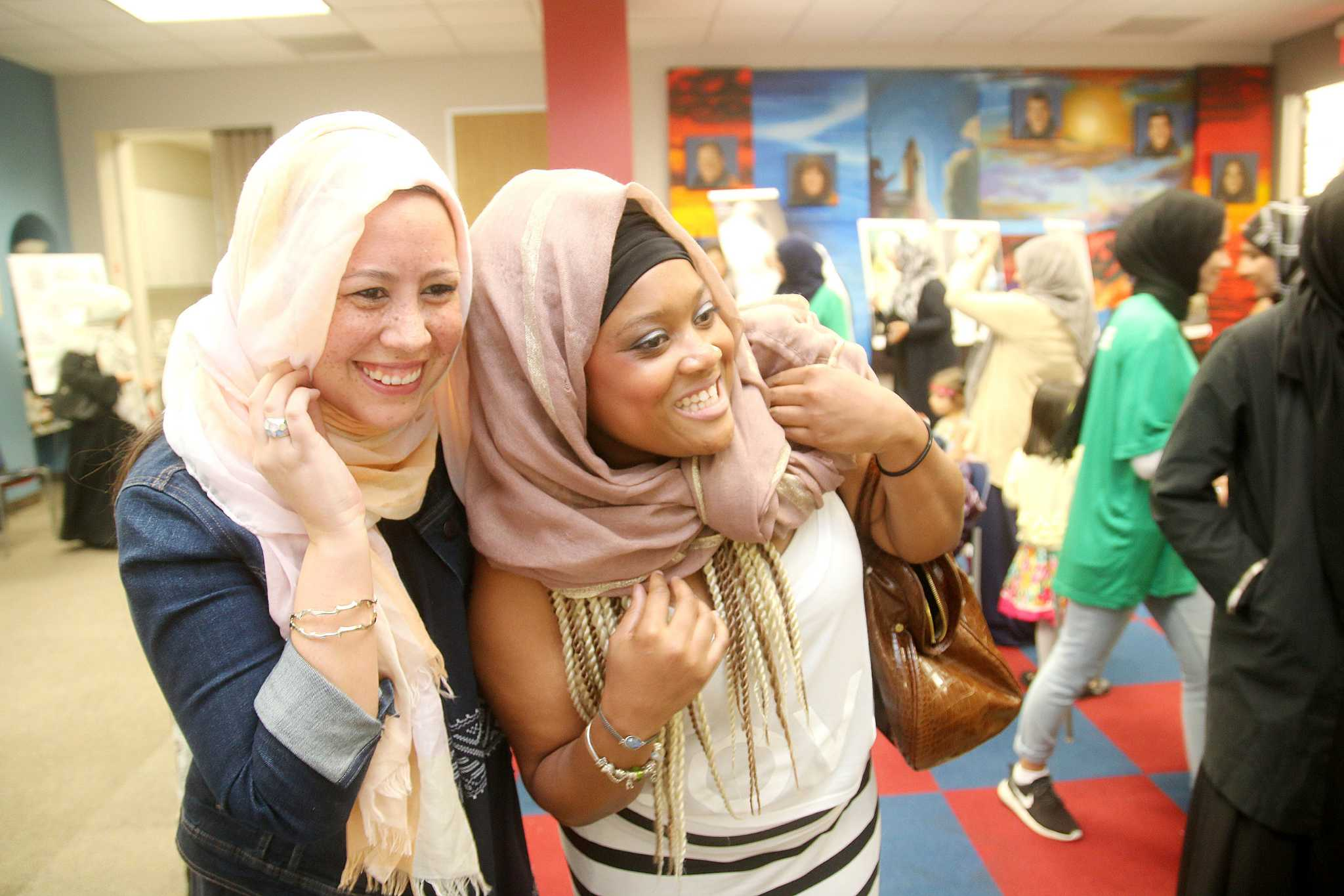 Local Muslims Reach Out To Foster Understanding Houston Chronicle