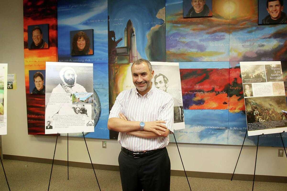 """Dr. Mohamed Shalaby of the Clear Lake Islamic Center hosted a """"Know Your Muslim Neighbor"""" event at Freeman Branch Library."""