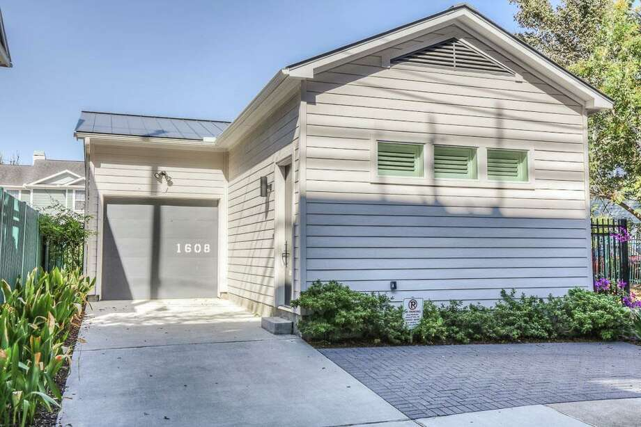 Tour 1 000 Square Foot Homes For Sale In Houston Houston