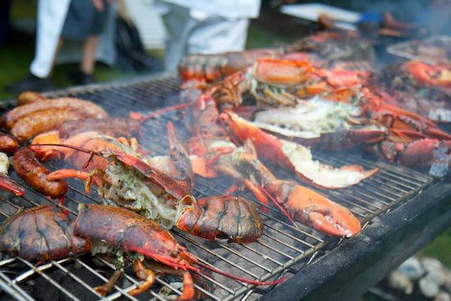 Max Restaurant Group is reprising their Max Chef to Farm Lobsterfest on Father's Day. Journey to Rosedale Farms and Vineyards in Simsbury for a traditional New England Lobster Bake featuring Chef Steve Michalewicz of Max Catering and Events.