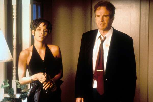 Warren Beatty and Halle Berry in a scene from the film 'Bulworth', 1998.