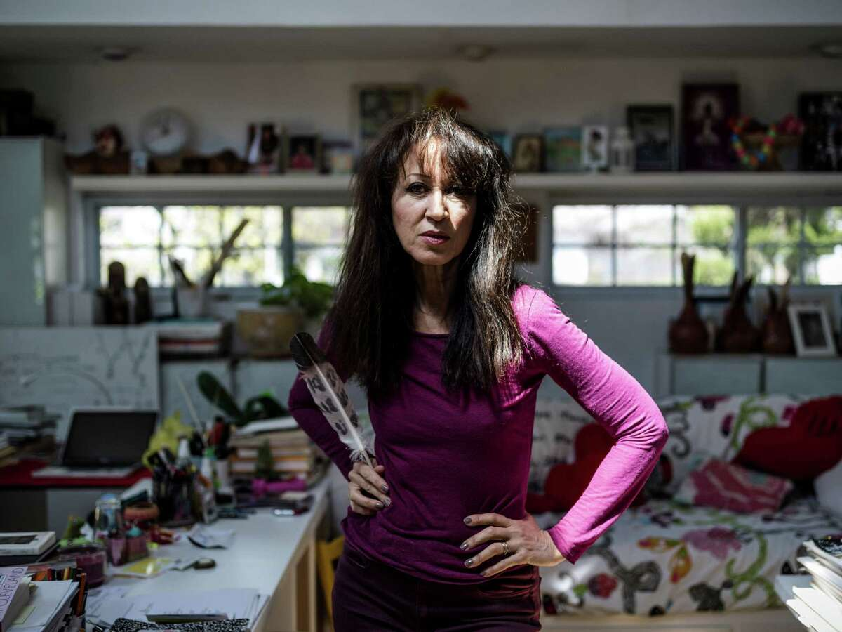 """Pat Cleveland, the model and author of the memoir """"Walking with the Muses,"""" in Willingboro, N.J., April 6, 2016. In an earlier era, success in fashion was measured by ones' ability to bewitch the cognoscenti, and few were better at it than Cleveland, a skinny, mixed-race girl from East Harlem who became a muse to many of the 1970's biggest names. (Chad Batka/The New York Times)"""