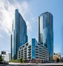 201 Folsom St. 31a is located inside the Lumina luxury condominium development in Rincon Hill.