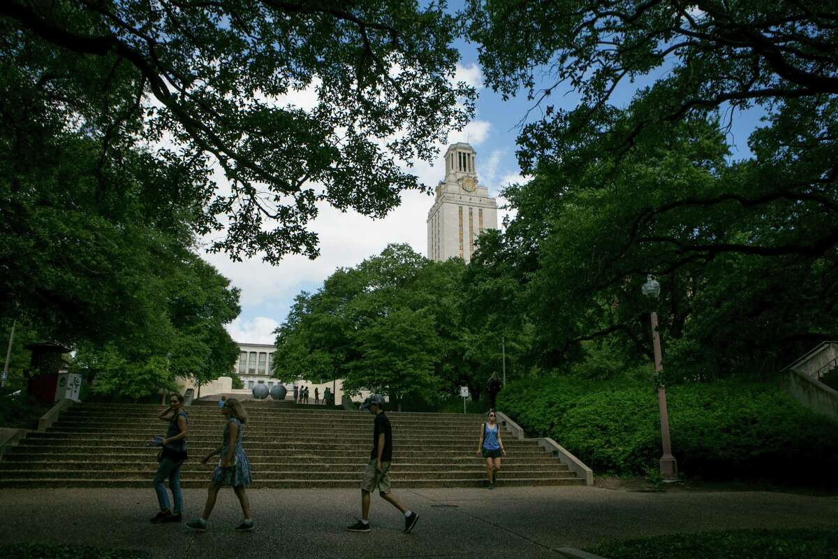 2. The University of Texas at Austin Mobility ranking nationwide:26 Average net price:$9,075 Completion rate:79.06 percent Students earning over $25K 6 years post-graduation:76.65 percent