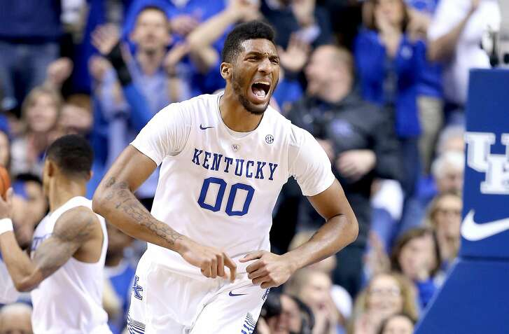 LEXINGTON, KY - MARCH 05:  Marcus Lee #00 of the Kentucky Wildcats celebrates in the game against the LSU Tigers at Rupp Arena on March 5, 2016 in Lexington, Kentucky.  (Photo by Andy Lyons/Getty Images)