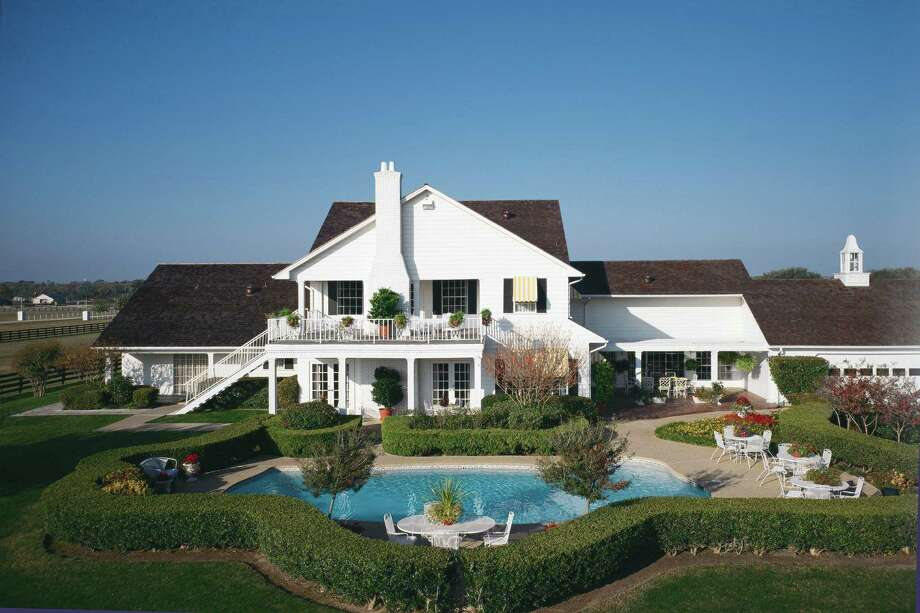 The Ewing mansion at Southfork Ranch from the TV show Dallas. / SOUTHFORK RANCH
