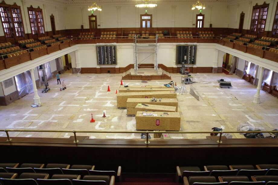 The State Preservation Board has undertaken two multi-million dollar projects in 2016 to preserve the exterior and interior of the Texas Capitol Building. Photo: Facebook/ Texas State Capitol