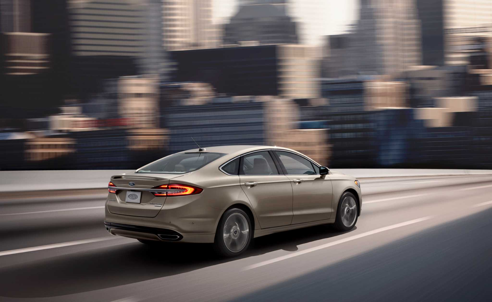 2017 Ford Fusion gets Platinum and Sport versions, new engines
