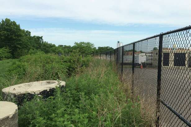 This is the vacant strip behind the Stratford Waste Treatment Plant where a dog park will likely be situated. It's adjacent to the town's animal shelter.