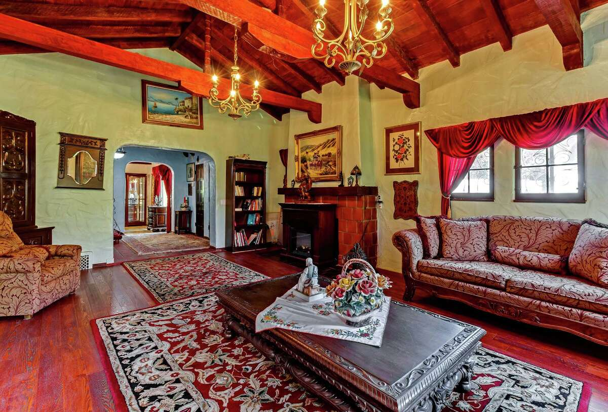 The Spanish Revival-style house in the Hollywood Del was built in 1925 for Oscar-winning director Frank Capra and his first wife, actress Helen Howell. Arched doors and windows, brick accents and tile risers are among character details of the two-story home. (Frank Capra/Acme Studios/TNS)