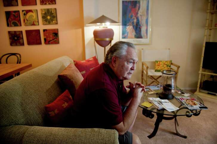 Fred Schindler, who used his reverse mortgage to pay off the last bit of his original mortgage on his condo and to open a line of credit, at home in Bethel Park, Pa., June 2, 2016. Some community bankers are lending respectability to the often-maligned reverse mortgage. (Jeff Swensen/The New York Times)
