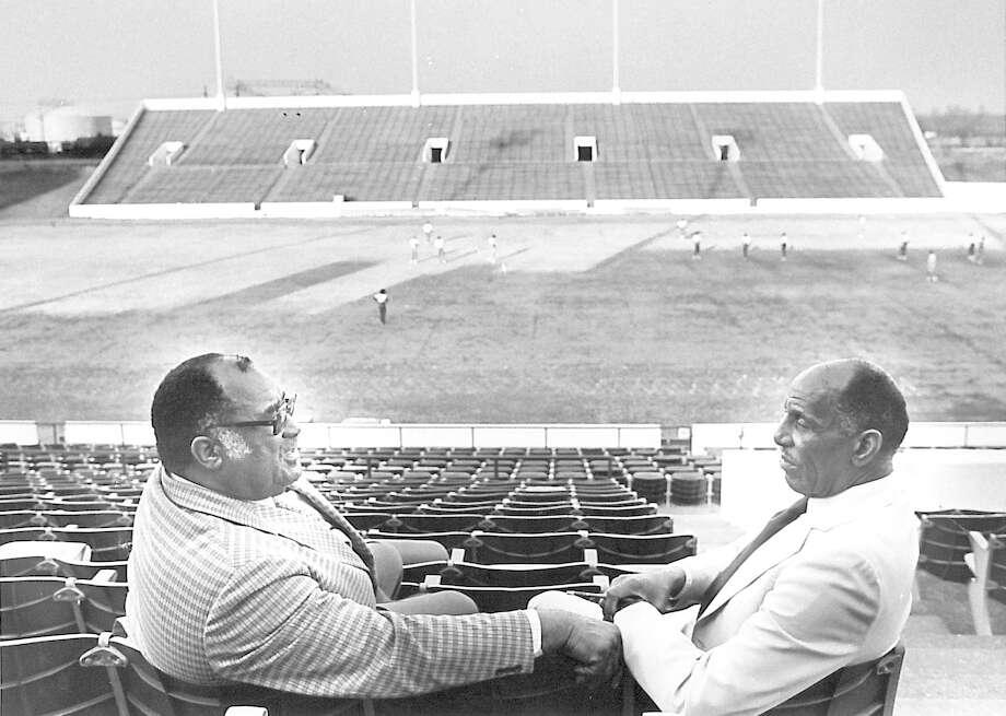 Clifton Ozen, left, and Willie Ray Smith at Cardinal Stadium. Photo taken 2/12/85 Photo: Enterprise File