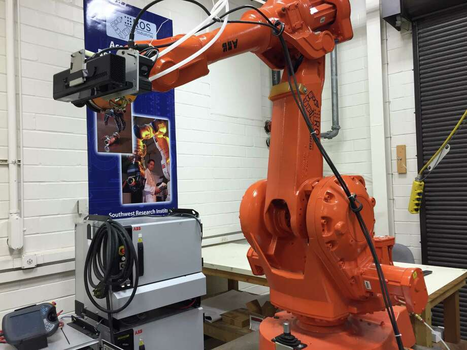 Southwest ResearchInstituteresearchers are working on human tracking technology to give industrial robots the ability to distinguish between humans and other objects. Photo: Malachi Petersen / San Antonio Express-News