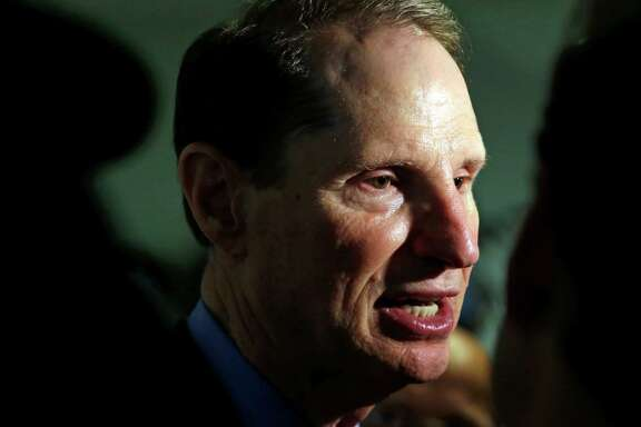 "Sen. Ron Wyden says he is ""even more concerned"" about apparent conflicts of interest on a panel that advises the federal government on pain issues."