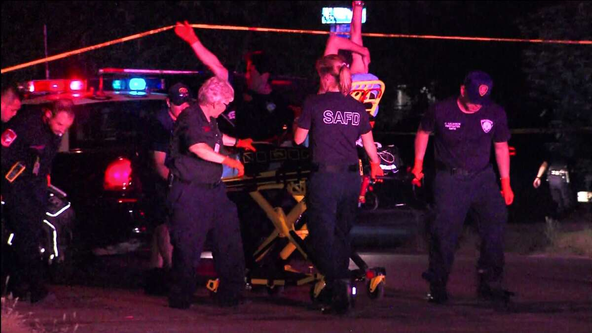 San Antonio police investigate a shooting on the North Side that sent one man to the hospital in stable condition Saturday, June 25, 2016.
