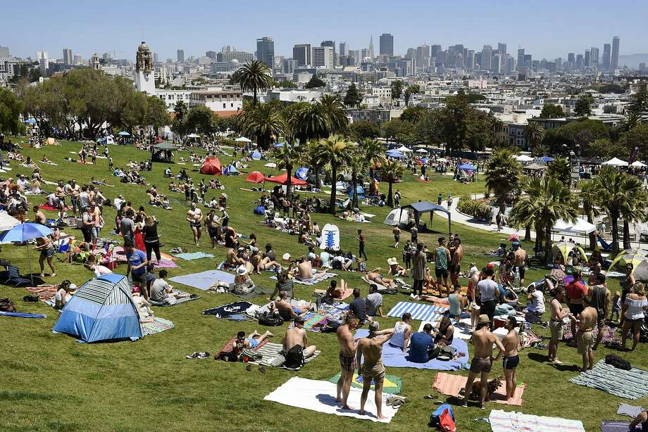 A mob attacked a man Wednesday night San Francisco's Delores Park after he allegedly looked at the girlfriend of one of the attackers. Photo: Michael Short, Special To The Chronicle