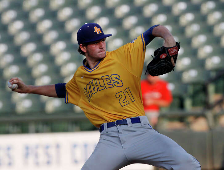 Alamo Heights' Forrest Whitley pitches against College Station during the UIL state baseball 5A semifinal in Round Rock on June 9, 2016.