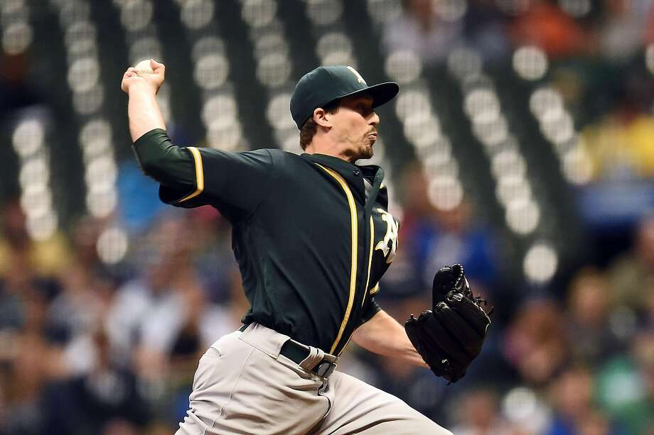MILWAUKEE, WI - JUNE 08:  Ryan Dull #66 of the Oakland Athletics throws a pitch during the sixth inning of a game against the Milwaukee Brewers at Miller Park on June 8, 2016 in Milwaukee, Wisconsin.  (Photo by Stacy Revere/Getty Images) Photo: Stacy Revere, Getty Images