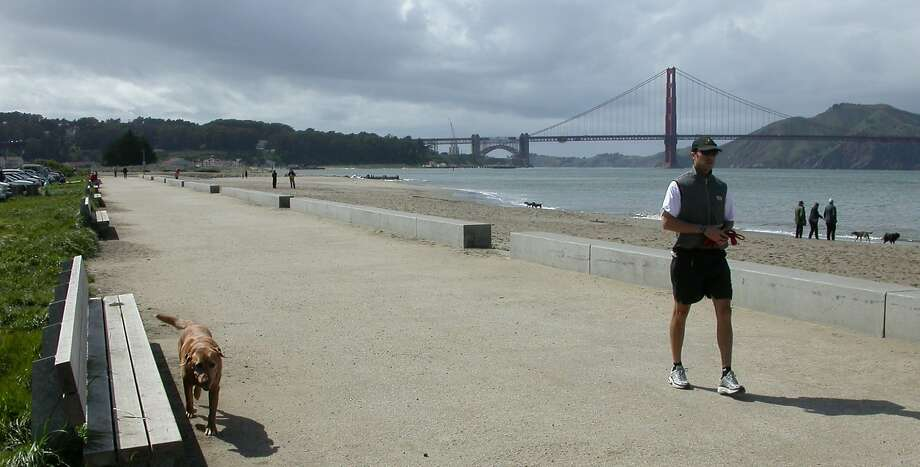 The Bay Trail from Marina Green to Fort Point fronts beach, bay and Golden Gate Bridge Photo: Tom Stienstra