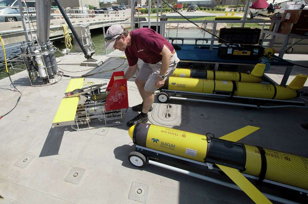 steve dimarco a texas am oceanography professor and ocean observing team leader moves an acrobat