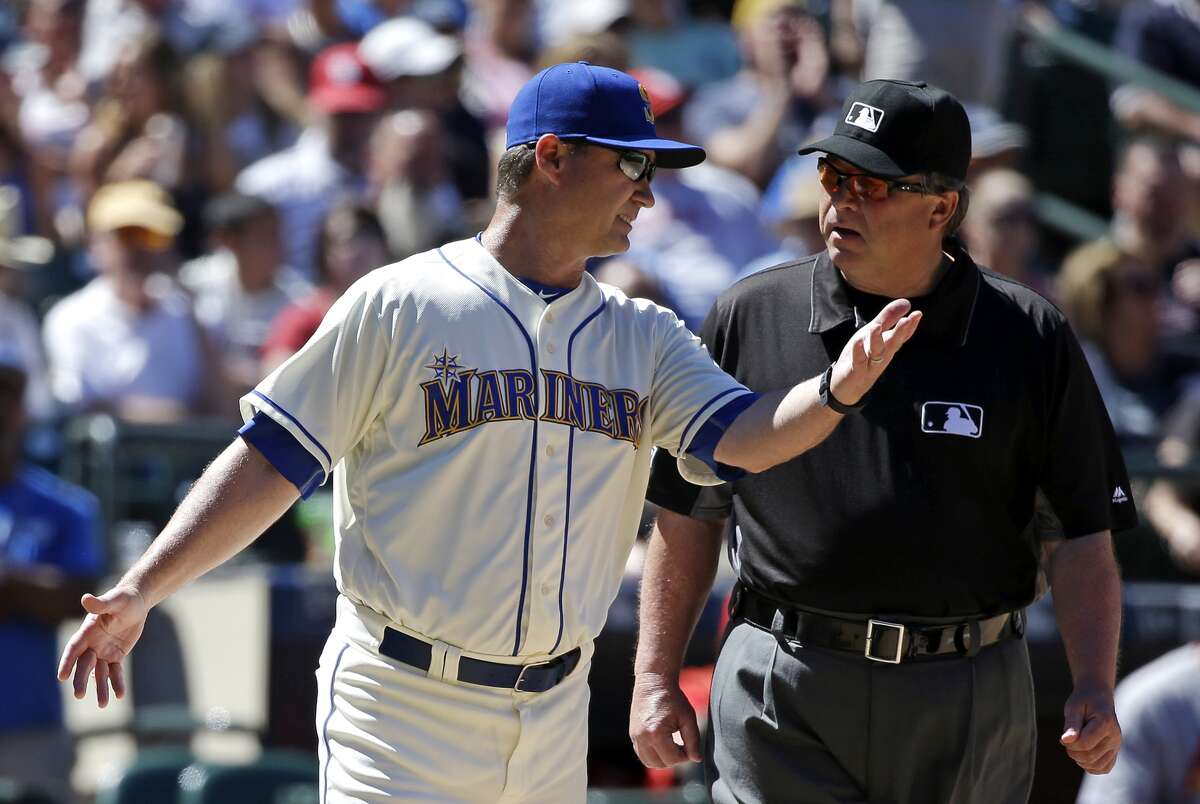 Manager Scott Servais wants the Mariners to try a new uniform combination for Sunday home games.