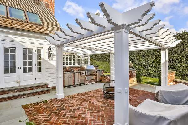 292 Compo Rd S, Westport, CT 06880   5 beds 6 baths 4,561 sqft  Features: Outdoor kitchen and patio, rooftop deck, cobblestone driveway, pool, cabana   View full listing on Zillow
