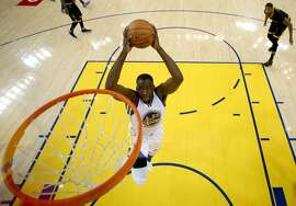OAKLAND, CA - JUNE 19:  Draymond Green #23 of the Golden State Warriors dunks the ball against the Cleveland Cavaliers in Game 7 of the 2016 NBA Finals at ORACLE Arena on June 19, 2016 in Oakland, California. NOTE TO USER: User expressly acknowledges and agrees that, by downloading and or using this photograph, User is consenting to the terms and conditions of the Getty Images License Agreement.  (Photo by Ezra Shaw/Getty Images)