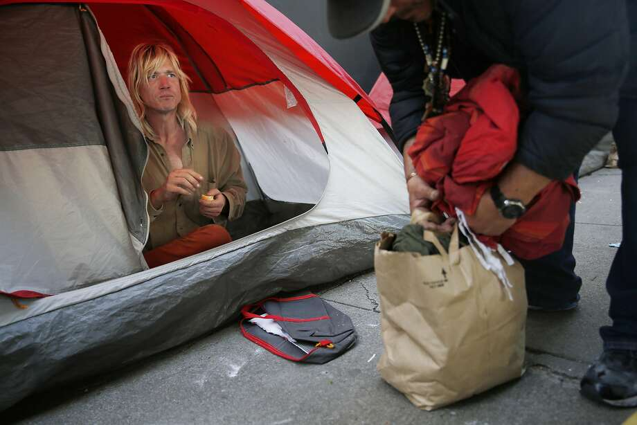 Tent dwellers would be given 24-hour eviction notices and a place to relocate under Supervisor Mark Farrell's plan. Photo: Lea Suzuki, The Chronicle