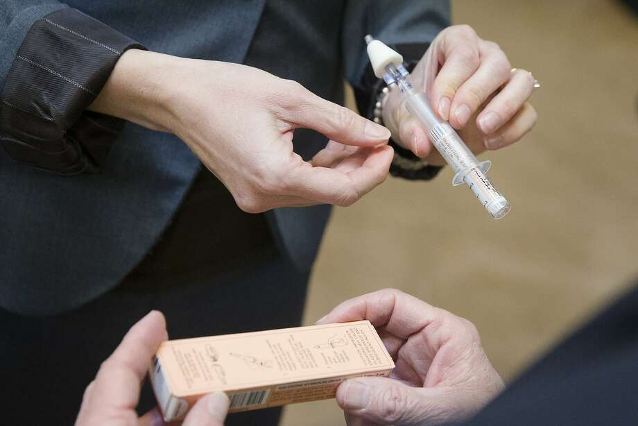 Overdose antidote should go with pain prescriptions, study urges ...