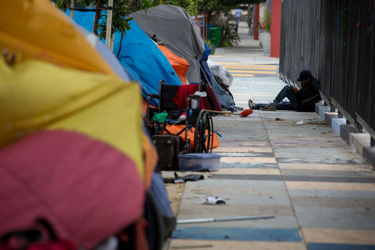 Line of tents on a San Francisco street.
