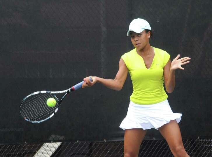 St. Agnes' Racquel Lyn led the Tigers to their fourth consecutive TAPPS Class 5A girls tennis crown.