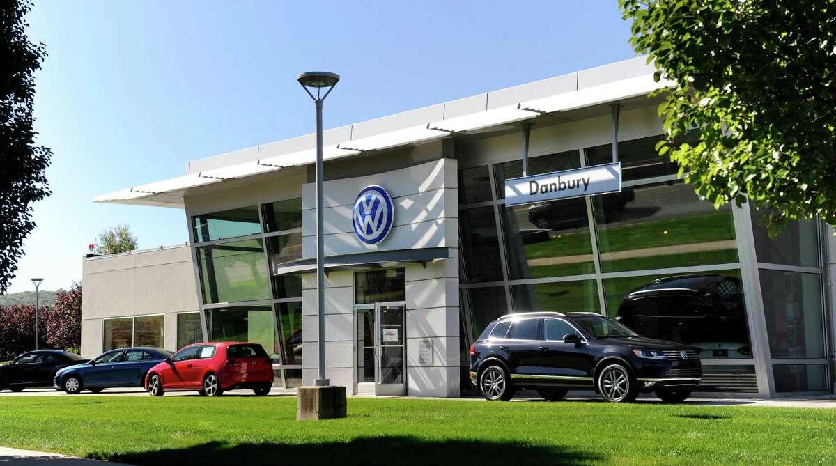 Danbury Volkswagen, Danbury 4 stars on Yelp | 28 reviewsConsensus: Good customer service