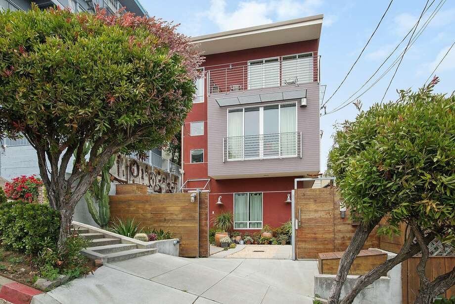 978 Elizabeth St. in Noe Valley is a three-bedroom townhouse built in 2009.  Photo: Open Homes Photography