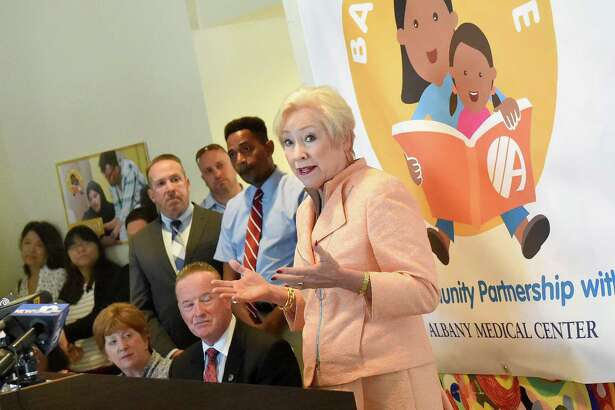 SUNY Chancellor Nancy Zimpher, right, announces a community partnership between Albany Medical Center and Baby Institute on Tuesday, June 28, 2016, at Ida Yarbrough Homes in Albany, N.Y. (Cindy Schultz / Times Union)