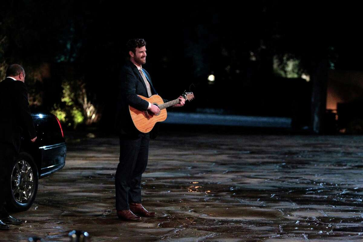 """James McCoy Taylor makes his debut with a song outside the Bachelor mansion on """"The Bachelorette."""""""
