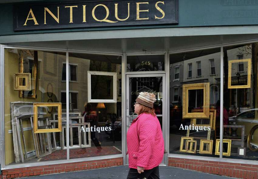 Hudson has more than 40 antique shops. You can buy everything from art deco furniture to Victorian mirrors. Click here to see a complete list of shops.