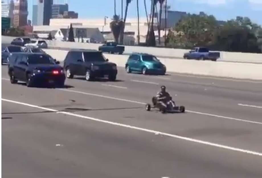 An unidentified Go-Kart driver evades California police in viral video taken June 2016. (Screengrab/Twitter/Tonka_Boy_Dre)