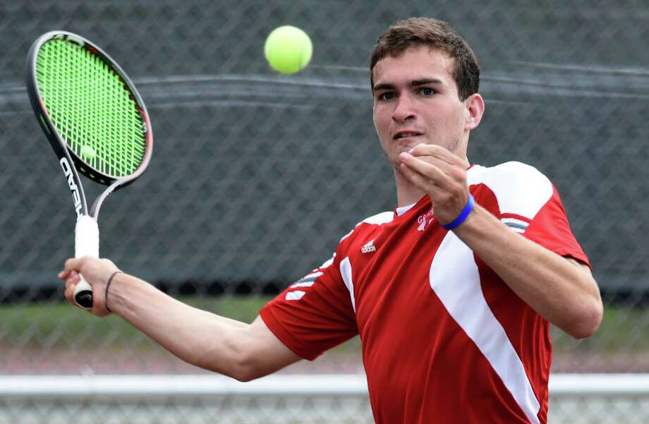 Greenwich Will Blumberg hits a shot in No. 1 Greenwich's win over No. 5 Darien in the FCIAC semifinal tennis match at Greenwich High School in Greenwich, Conn. Monday, May 23, 2016. Photo: Tyler Sizemore / Hearst Connecticut Media / Greenwich Time
