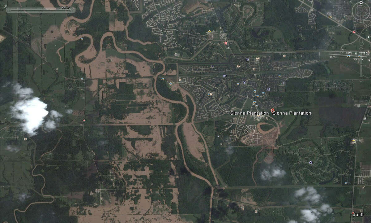 Sienna Plantation near the Brazos River was threatened by the overflowing riverbanks in April 2016. Google Earth has updated its satellite photos and they show the extreme extent of flooding that Houston and surrounding areas experienced in the spring.