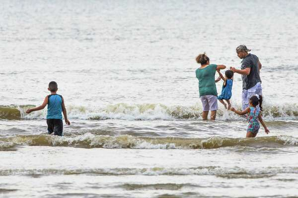 Officials: Despite flesh-eating bacteria reports, it's safe to go in
