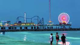 Galveston tourism officials say they expect a busy holiday weekend despite news reports about bacteria.