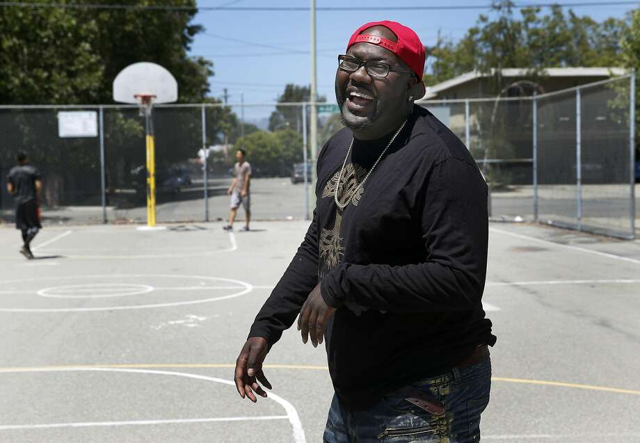 Rapper Mistah F.A.B. shoots hoops at Linden Community Park, where he spent his days as a youth, in Oakland, Calif. on Wednesday, June 29, 2016. Photo: Paul Chinn, The Chronicle