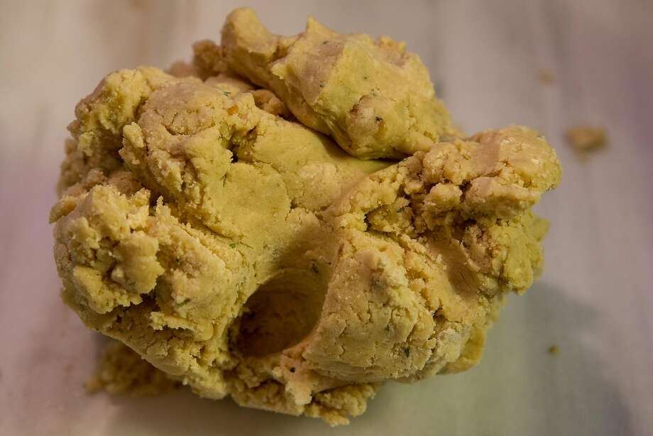 The FDA has issued a warning to avoid eating raw cookie dough. Photo: Nathaniel Y. Downes, The Chronicle