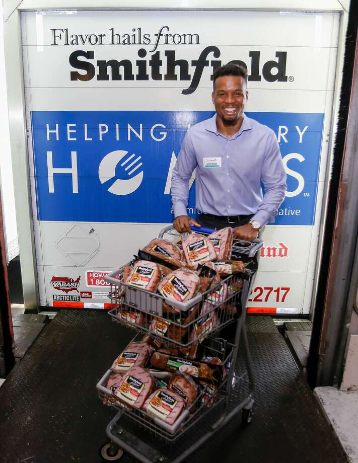 Texans veteran wide receiver Cecil Shorts helped donate more than 70,000 pounds of protein-packed food to the Houston Food Bank. Photo: Bob Levey/Getty Images For Smithfield