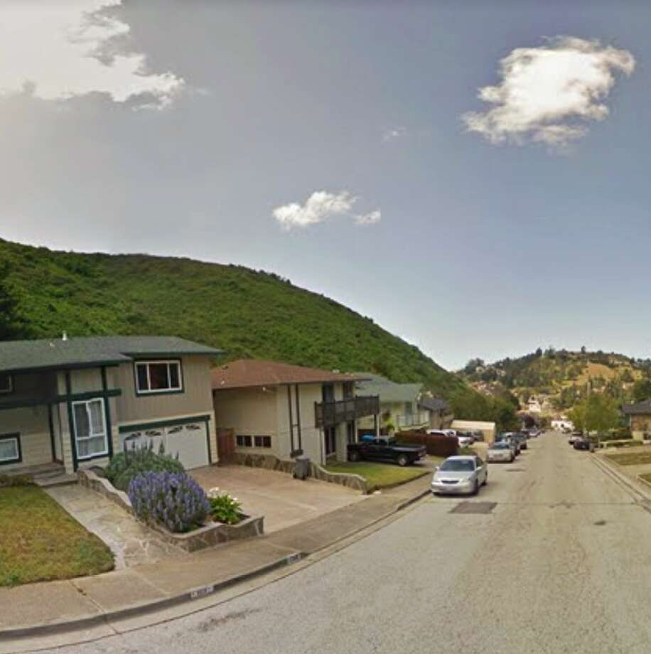 Pacifica residents are on the look out for a mountain lion spotted Wednesday night leaping the backyard fence of a home on Big Bend Drive (pictured here) in the oceanside community. Photo: Google Maps / /