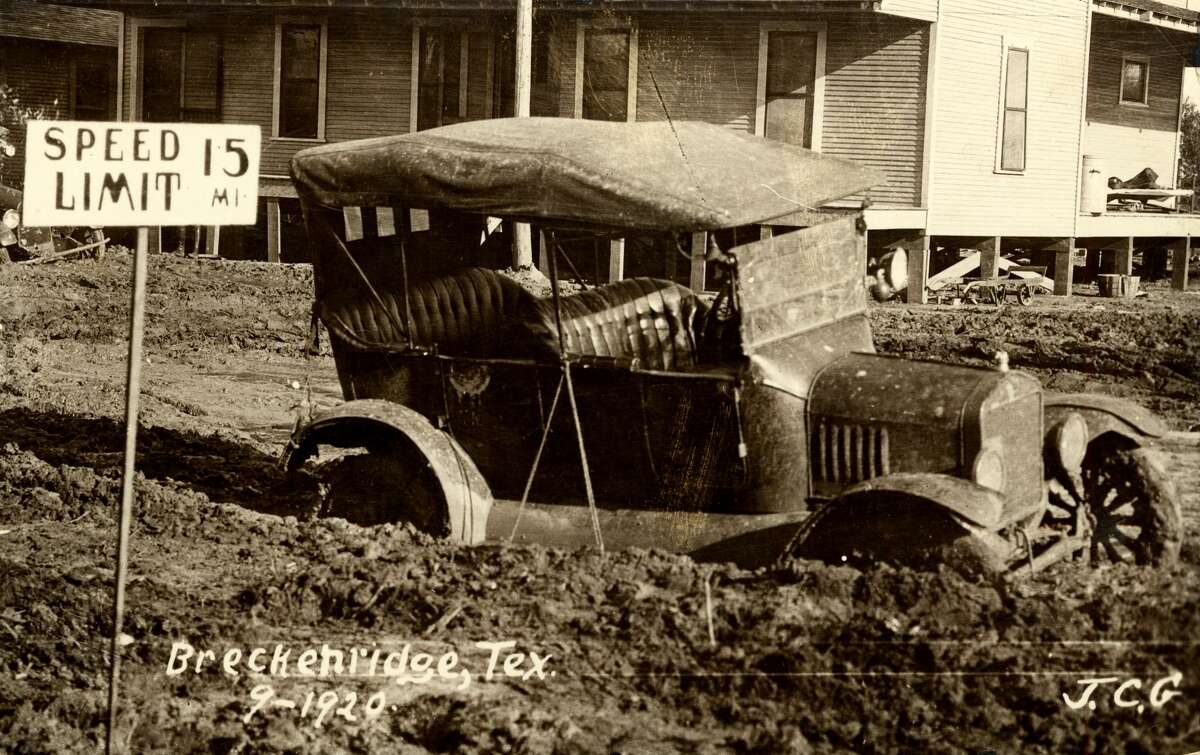 1920:Farming is a big part of Texas culture. This year large-scale agricultural irrigation begins in the High Plains.