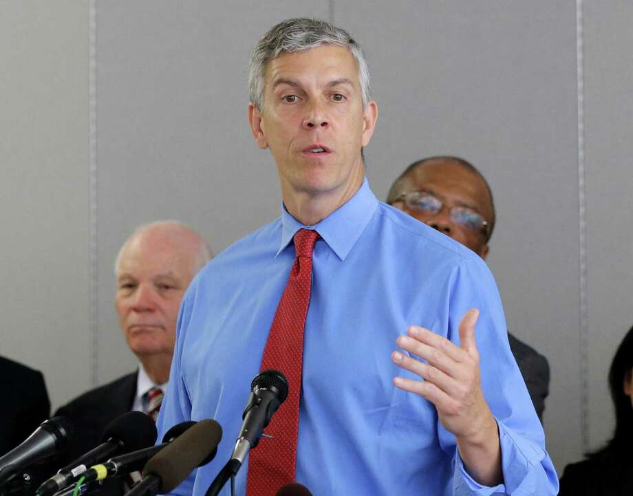 Education Secretary Arne Duncan speaks at a news conference in Jessup, Md. July 31, 2015, Photo: Patrick Semansky / Associated Press / Stamford Advocate
