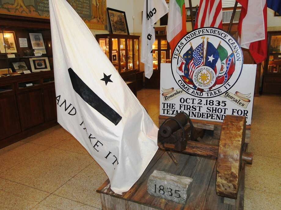 """The """"Come and Take It"""" cannon makes its permanent home at the Gonzalez Memorial Museum but is currently touring several Texas cities. Photo: TRACY HOBSON LEHMANN, STAFF / SAN ANTONIO EXPRESS-NEWS / TLEHMANN@EXPRESS-NEWS.NET"""