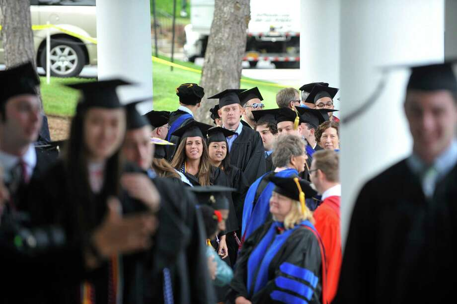 Four-year college graduates have a bigger workforce share than those who got a high school diploma but don't have a college degree. Photo: STAFF PHOTOGRAPHER / 10036377A